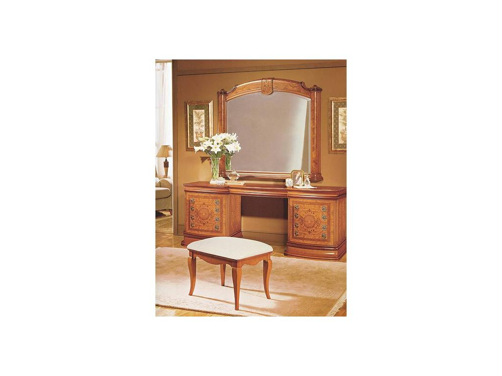 Висент Монторо: 45: стол туалетный  (oliva)