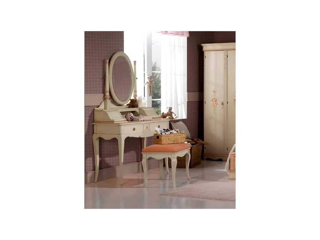 Vicent Montoro: стол туалетный  (лак с патиной)