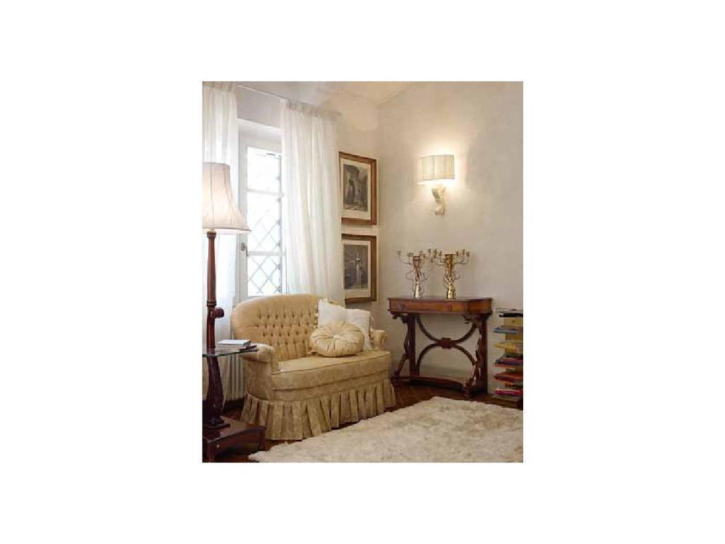 Volpi: Giorno: диван Venezia  дерево class 4. ткань cat.B
