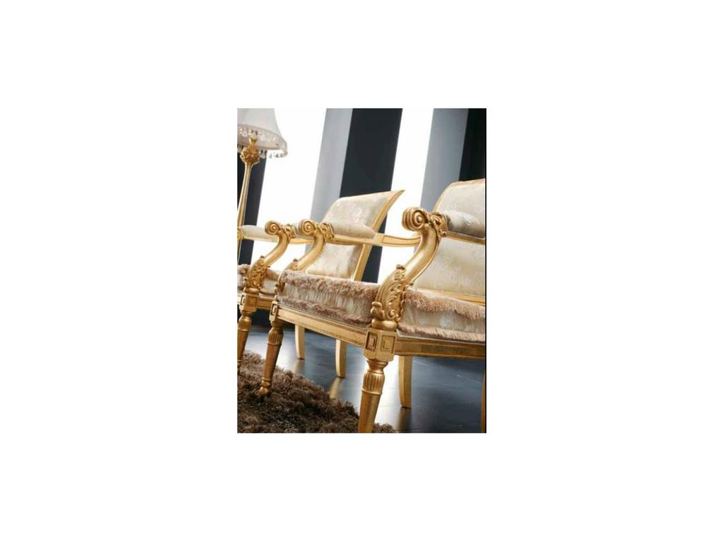 Volpi: Giorno: кресло Sofia  дерево class 4. ткань cat.B