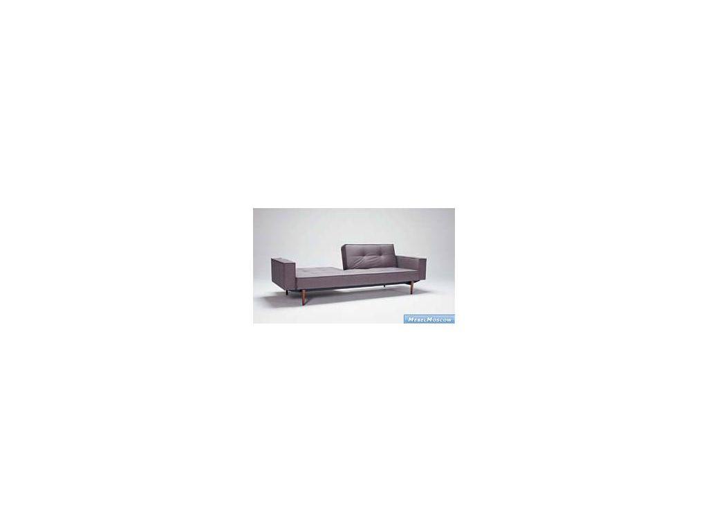 Innovation: Splitback: диван с деревянными ножками и подлокотниками