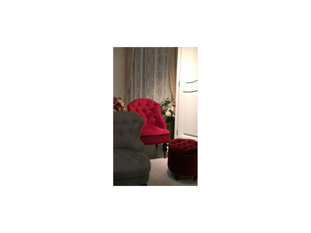 LAtelier Du Meuble: Canapes: кресло  (красный, черный)