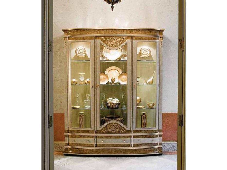 Vicente Zaragoza: Прага 15: витрина 3 дверная  (амбер)