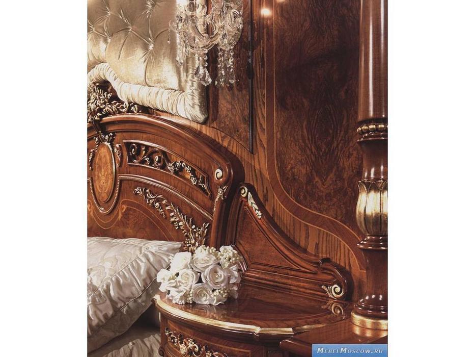 Barnini Oseo: Reggenza Luxury: одна пара вертикальных панелей  с золотым украшением