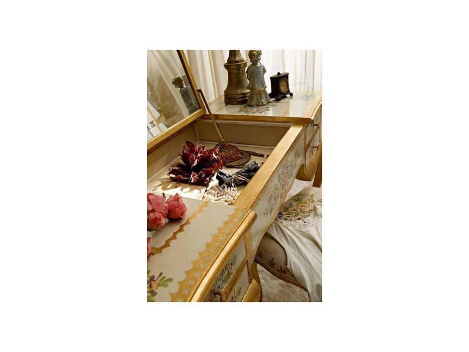Andrea Fanfani: стол туалетный  cat. A (золото, серебро)