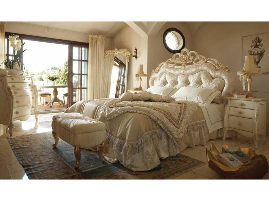 Volpi: Notti: кровать Adele 160х190  дерево class 4. ткань cat. D