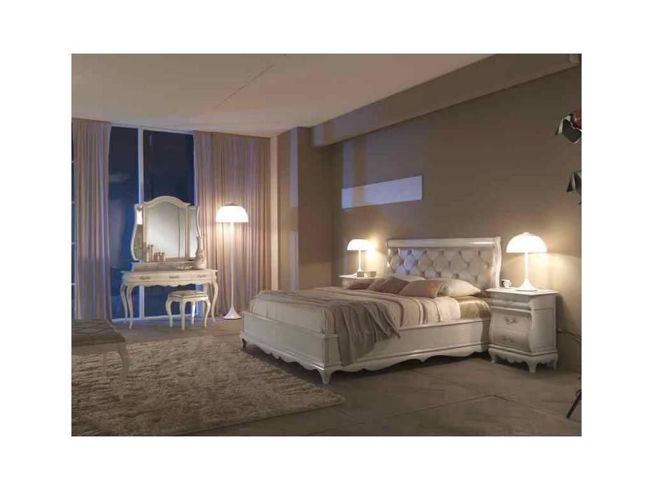 Cavio: Madeira: кровать 160х200 с серебристым кож. изг.и низ.изн.  (белый лак,серебро)