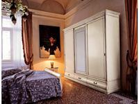 Cavio: Madeira: шкаф-купе 3-х дверный, 3 ящика с матовым стеклом  (белый лак,серебро)