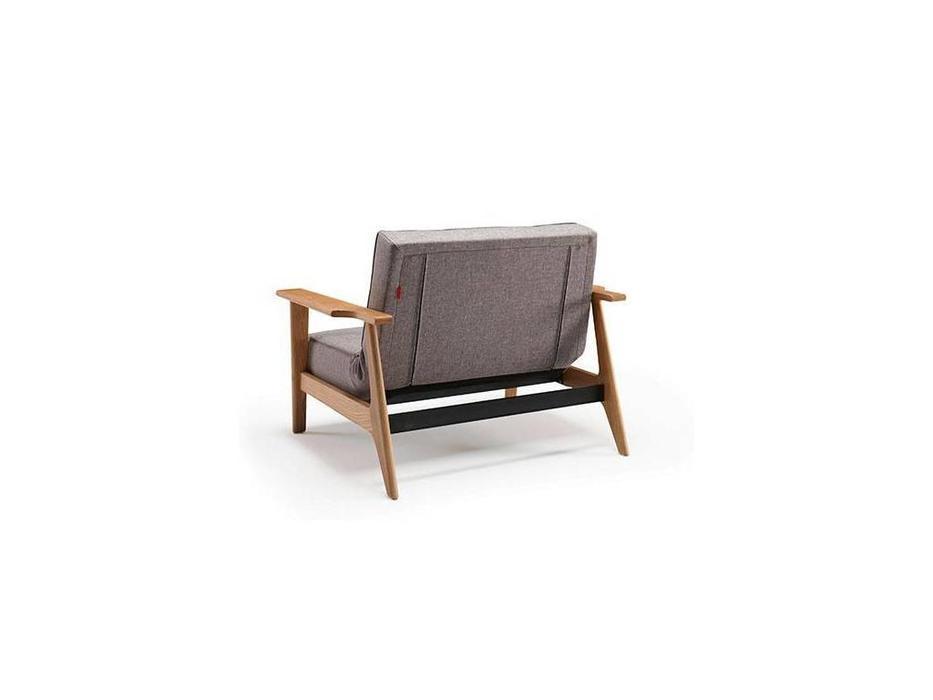 Innovation: Splitback: кресло с деревянными подлокотниками