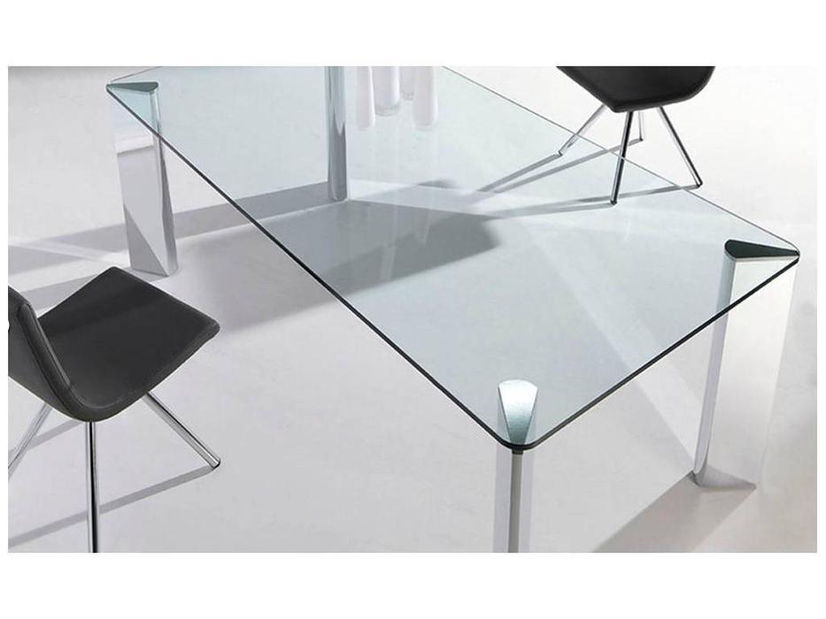 RamiroTarazona: PLAY: стол обеденный (cromo)