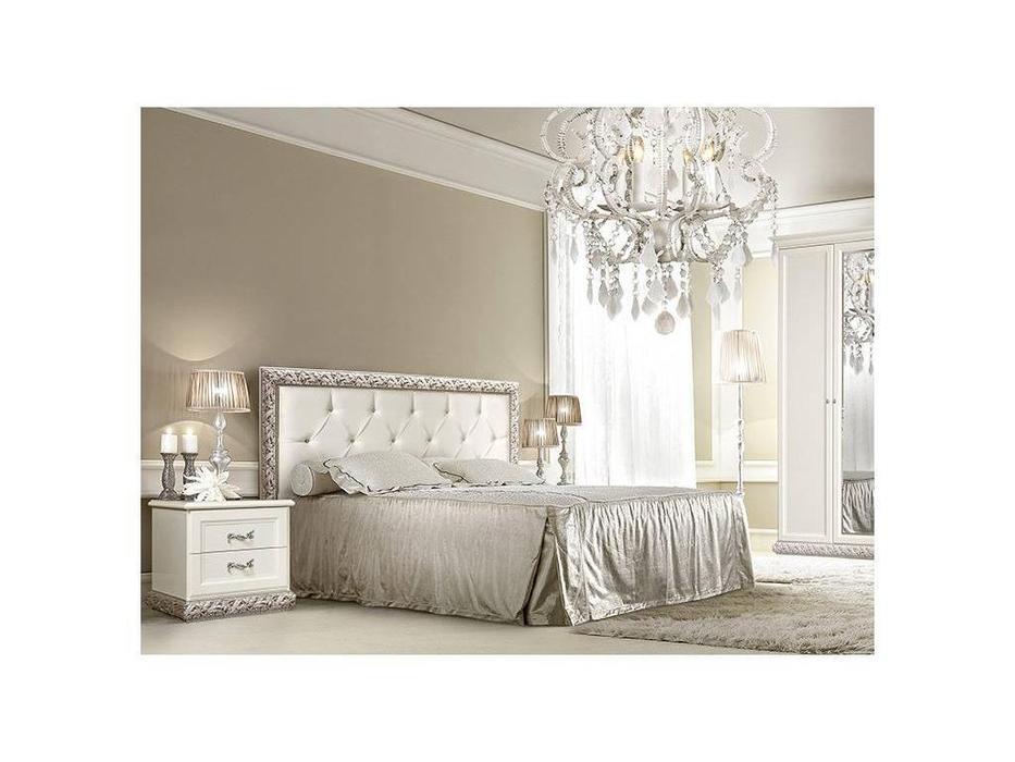ЯМ: Тиффани: кровать [7] 140х200 с мягким эл-м, стразы, с под-м мех-ом (крем, серебро)