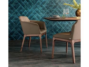 Столы и стулья фабрики Cattelan