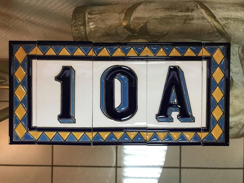 Artecer: Tamano: номер на дверь 10А  Rombo