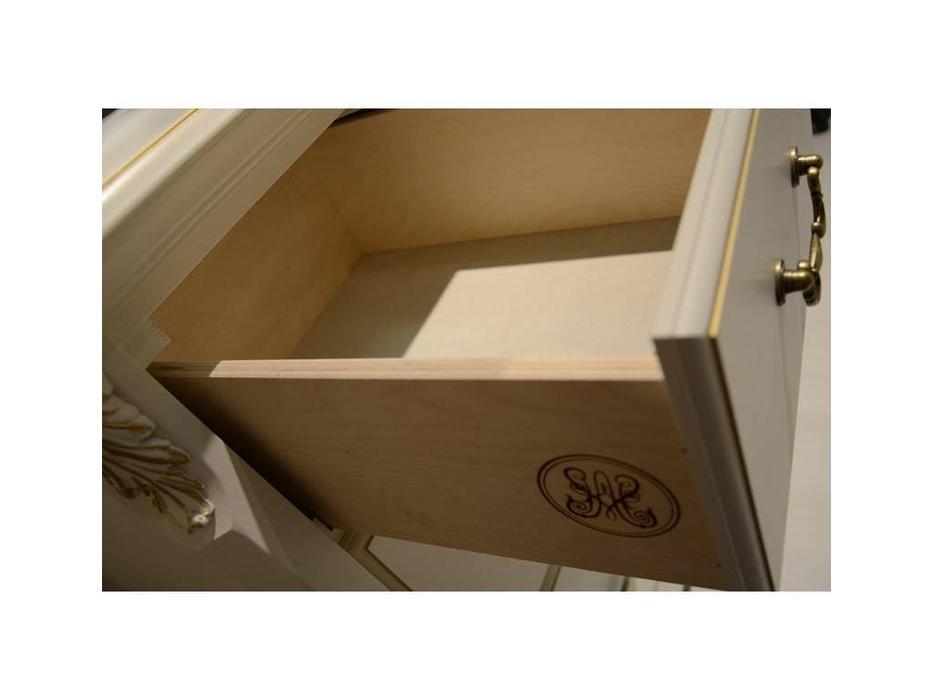 LAtelier Du Meuble: Romantic Golg: тумба прикроватная  3 ящика (слоновая кость, золото)