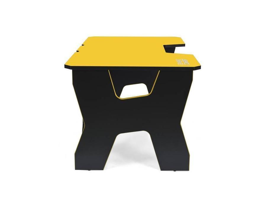 Generic Comfort: Gamer: стол компьютерный  (черный, желтый)